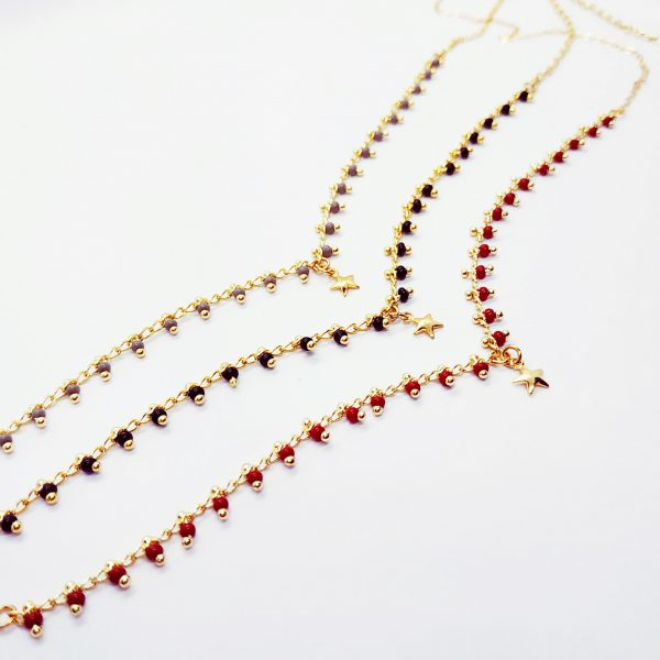 photo collier étoile Kahli rouge
