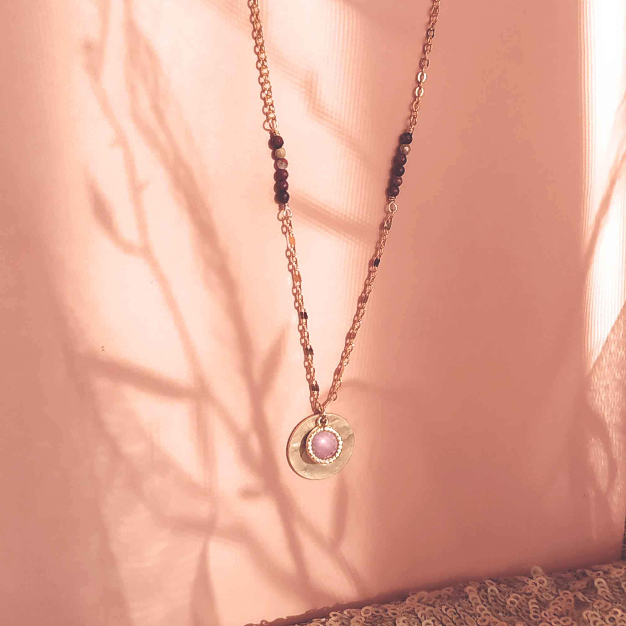 photo collier eluard rose rhodonite