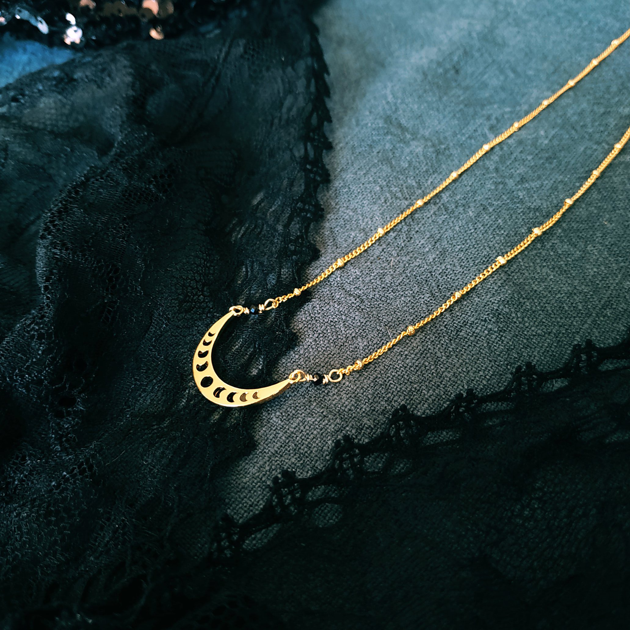 image collier moon